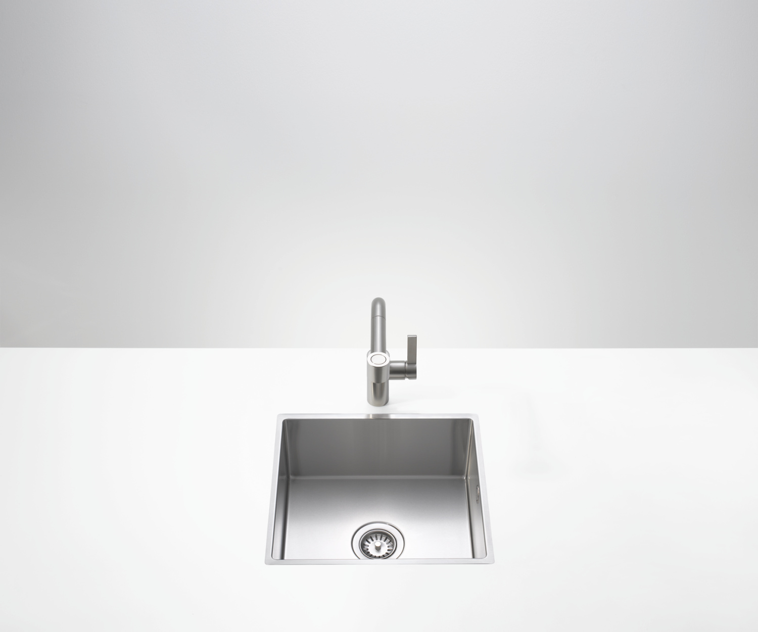 Single sink - matt high-grade steel - 38 060 000-86