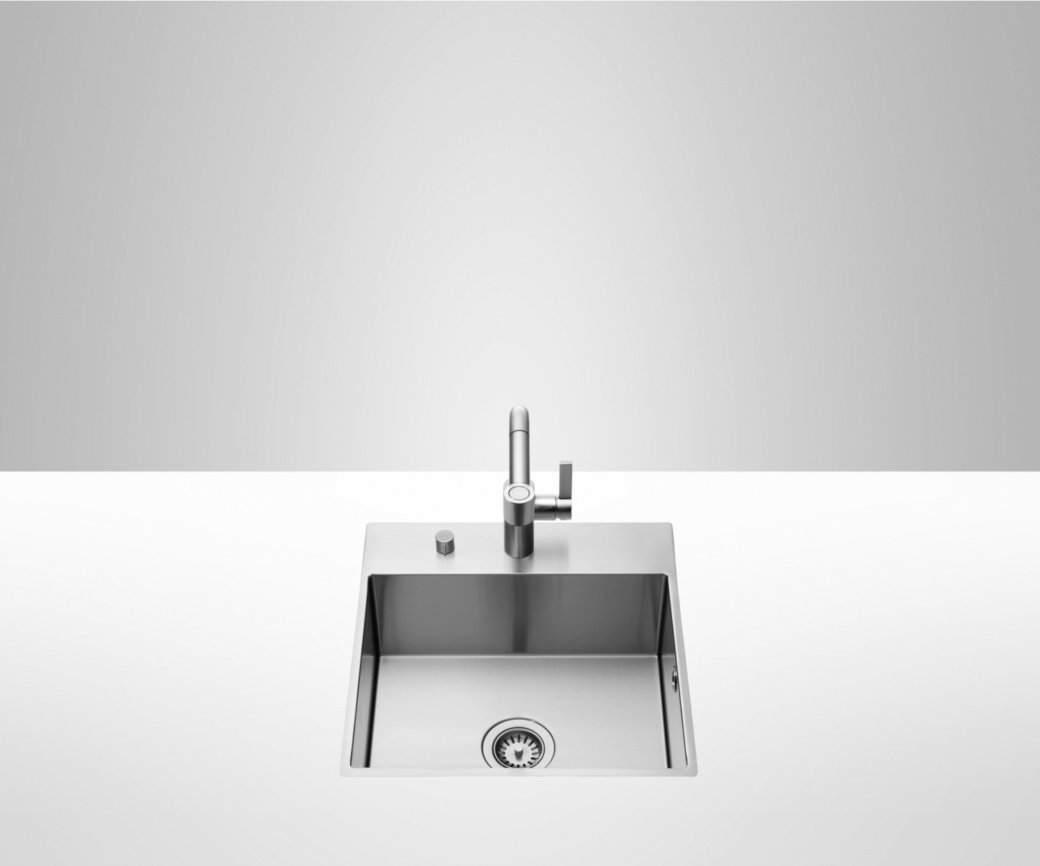 Single sink with tap hole bank - matt high-grade steel